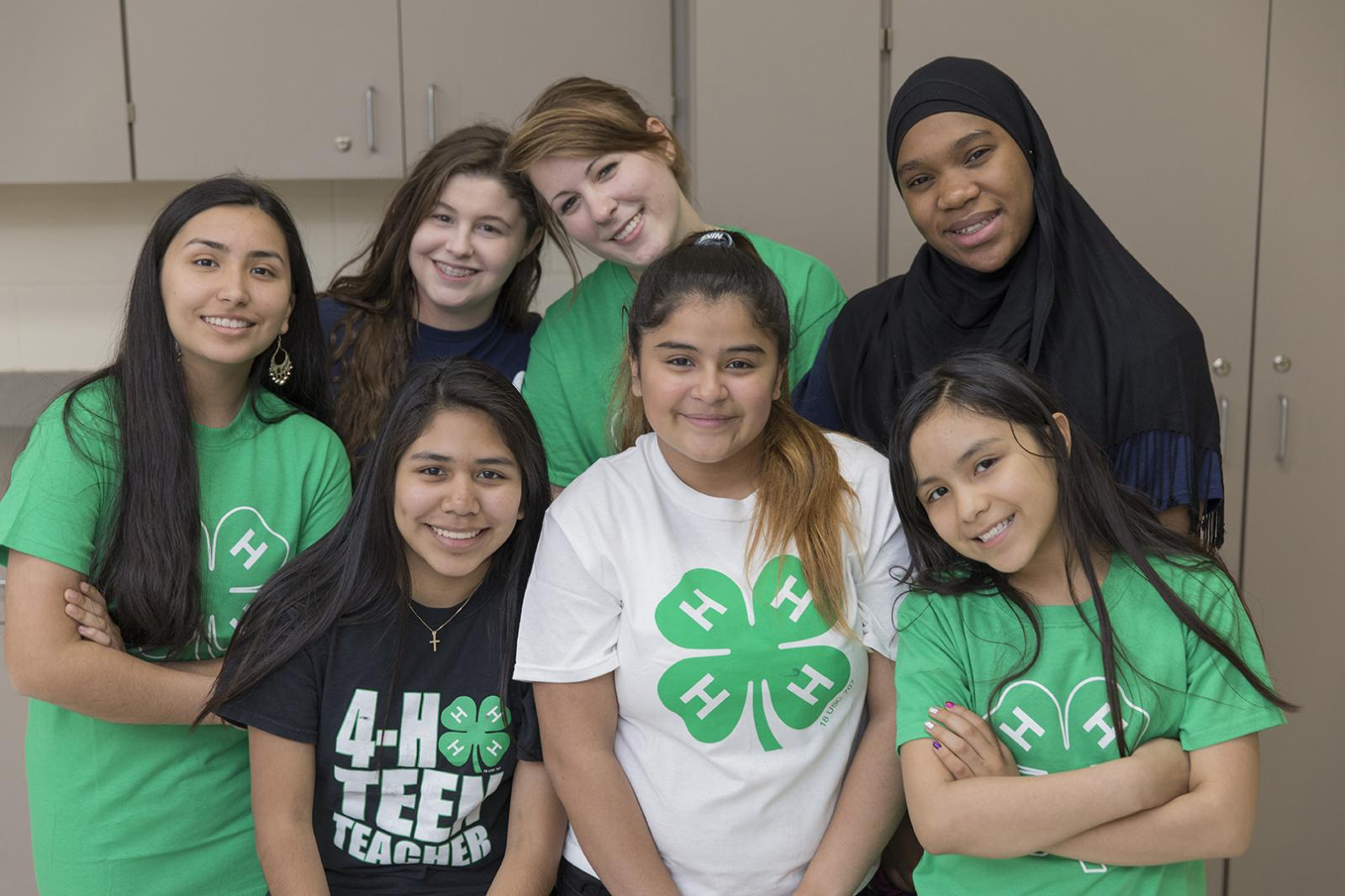teens wearing 4-H shirts
